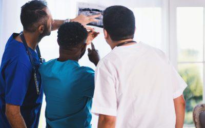 ¿Buscando trabajo en el área de la salud hoy, con crecimiento profesional para el mañana?